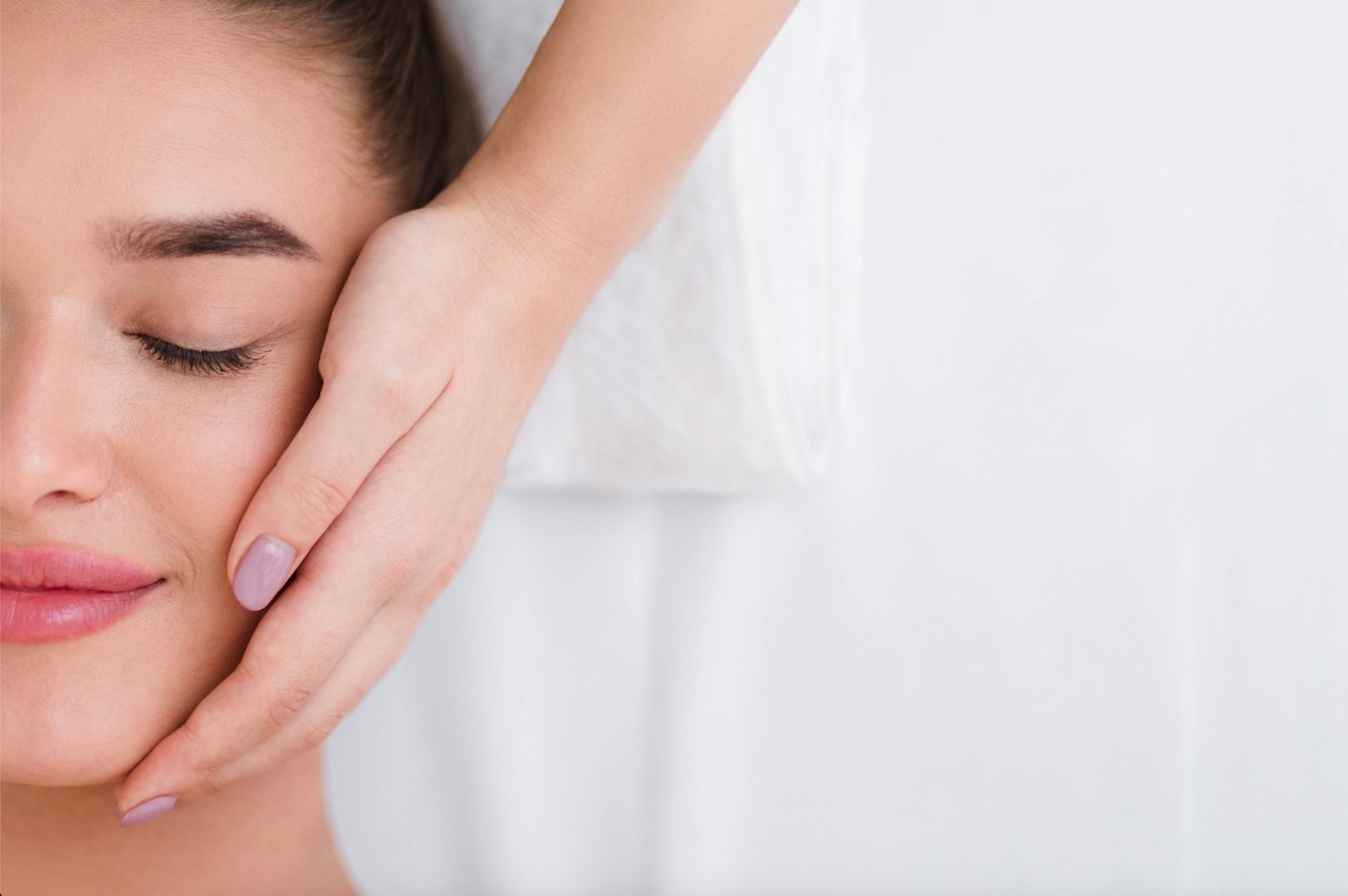 MRS.BROW gezichtsbehandeling massage Breda