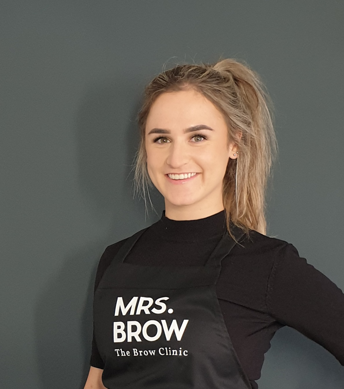 Kim MRS.BROW owner and specialist in brows Breda