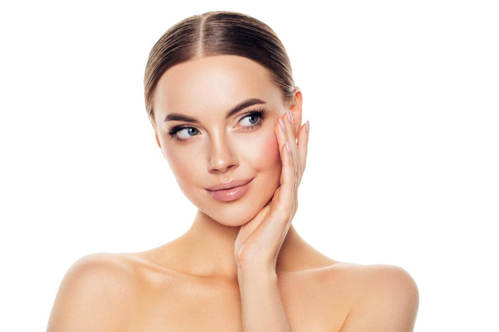 The Brow Clinic gezichtsbehandeling massage Breda (Ease schoonheidssalon & Mrs Brow)